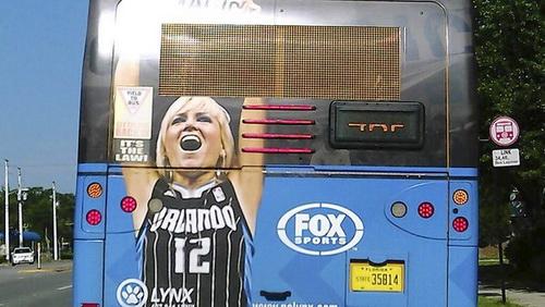 تبلیغات روی اتوبوس