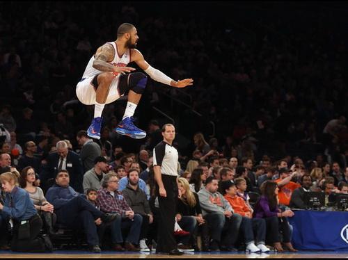 http://www.basketball98.ir/wp-content/uploads/2012/12/Tyson-Chandler-New-York-Knicks-vs-Phoenix-Suns.jpg