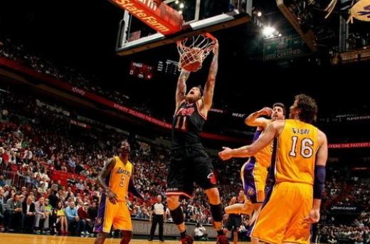 پیروزی هیت و بلیزرس در مسابقات 23 ژانویه بسکتبال NBA