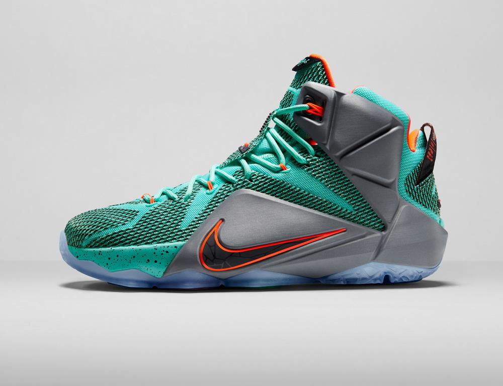 کفش بسکتبال lebron 12
