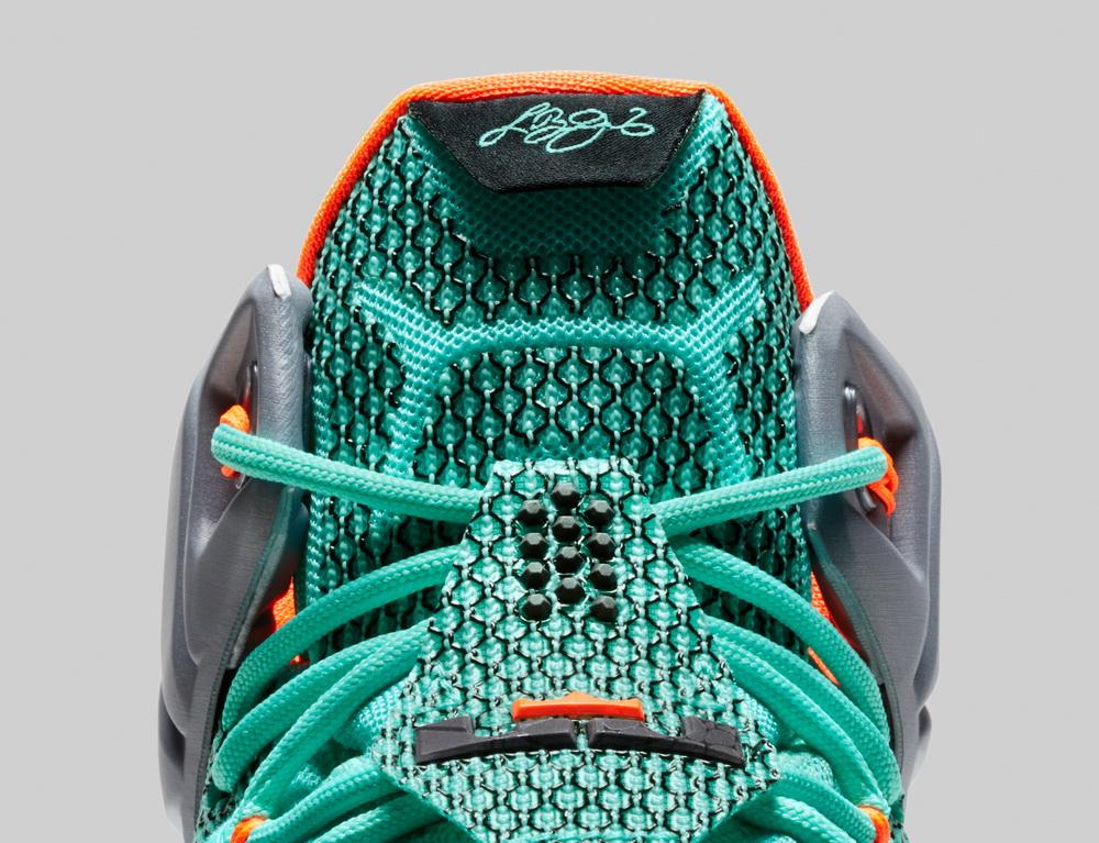 کفش بسکتبال لبرون 12