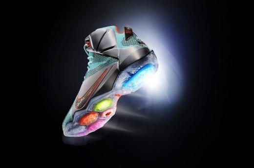 کفش بسکتبال لبرون جیمز 12