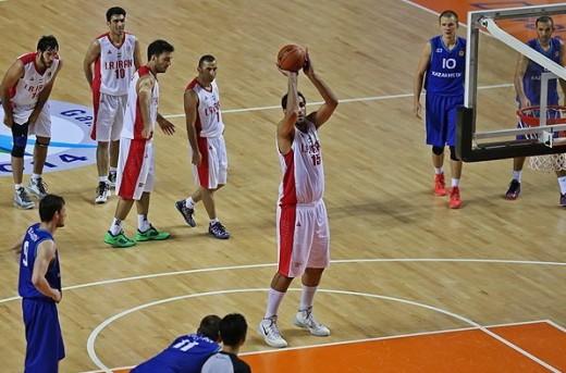 پیروزی تیم بسکتبال ایران برابر قزاقستان در نیمه نهایی بازی های آسیایی اینچئون