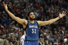کارل-انتونی تاونز بهترین بازیکن سال اولی NBA در فصل 2015-16 لقب گرفت