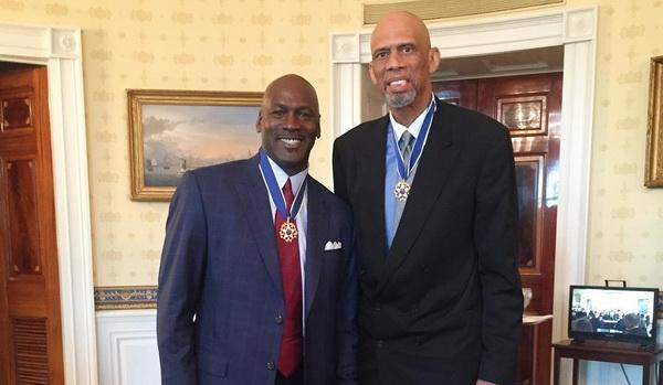 باراک اوباما به مایکل جردن و کریم عبدالجبار، مدال آزادی ریاست جمهوری اعطا کرد